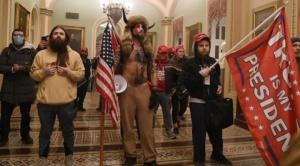 Los activistas que asaltaron el Capitolio ya son reconocidos y comienzan a perder sus empleos