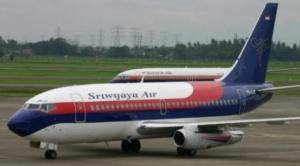 Indonesia: Desaparece avión de pasajeros con 62 personas a bordo