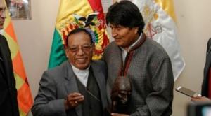 Evo pide vacuna para el cardenal, Mesa, Mallku, Roberto Aguilar y periodistas que hacen cobertura