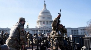 """Toma de posesión de Biden: el excepcional dispositivo de seguridad que militarizó Washington (y por qué se teme un """"ataque interno"""")"""