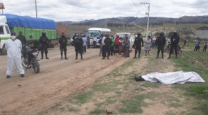 Un hombre fallece en un punto de bloqueo en Sucre y detienen a nueve personas