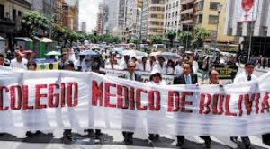 Médicos declaran paro de 24 horas para el lunes y amenazan con una huelga indefinida