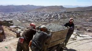 Bolivia ocupa el puesto 74 de 76 países y territorios en índice sobre atractivos para la inversión minera
