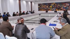 Tras reunión con Arce, COB pide 5% de aumento salarial y empresarios piden participar de la negociación