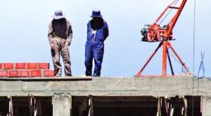Industriales y el IBCE advierten que un incremento salarial provocará cierre de fábricas y despidos