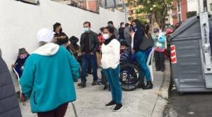 CNS suspende vacunación de adultos mayores en tres policlínicos de La Paz