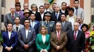 Con al menos 8 juicios, el Gobierno procesa a 10 exministros de Añez