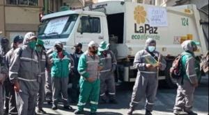 Arias convoca a Revilla a una reunión para resolver el problema de la basura que por sexto día no se levanta de las calles