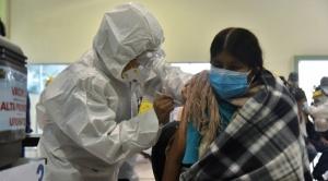 En casi cinco meses, Gobierno reporta que vacunó a 734.162 personas con la primera dosis y a 264.656 con la segunda