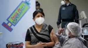 A casi 5 meses, el Gobierno solo logró vacunar al 10% de 7 millones de la población vacunable boliviana 1