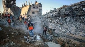 Conflicto israelí-palestino: Israel intensifica su ofensiva en Gaza con ataques aéreos y de artillería mientras la violencia se extiende a Cisjordania