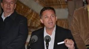 """Exministro López reaparece, espera que con la investigación del FBI se llegue a """"la verdad"""""""