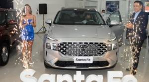 Creta y Santa Fe 2022 ya se exhiben  en el flamante showroom de Hyundai