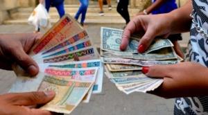 Por qué Cuba suspendió los depósitos de dólares en efectivo en la isla (y cómo afectará a la población)