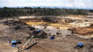 Villavicencio relega a Potosí y dice que el futuro de la minería y metalurgia esta en Santa Cruz