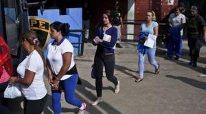 """""""La condena en Perú por narcotráfico hizo de mí lo que soy ahora"""": las jóvenes británicas encarceladas por traficar droga"""
