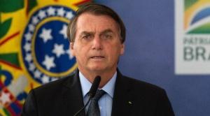 Internan a Jair Bolsonaro por dolores abdominales