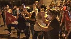 """El MAS coordina con Migración la expulsión de cubanos que hacen """"politiquería barata"""""""