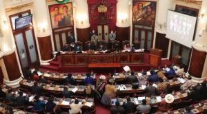 """Interpelantes e interpelado atacan al """"gobierno de facto"""" en acto de fiscalización"""