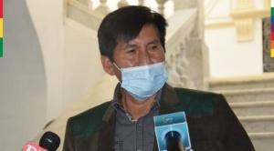 Senador del MAS asegura que La Paz no tiene un Gobernador