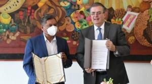 Bolivia y México firman acuerdo para la producción y procesamiento de litio