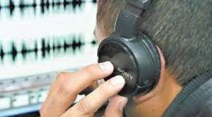 Gobierno niega que la UIF tenga atribuciones para escuchas telefónicas y persecución a los informales