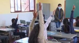 El Gobierno prevé retorno gradual a clases semipresenciales, Arias pide esperar reunión del COED