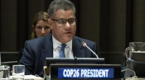 Presidente de la COP26 arriba a Santa Cruz, que es azotada por incendios