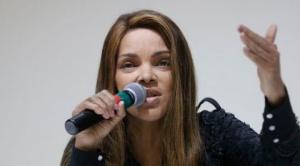 Flordelis de Souza: la diputada brasileña que fue expulsada del Congreso acusada de haber planeado el asesinato de su marido con ayuda de 7 de los 55 hijos de la pareja