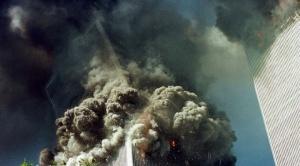 Atentados del 11S: la historia detrás de la icónica imagen del hombre cayendo de una de las Torres Gemelas