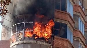 Un departamento y pastizales se incendian en enfrentamiento entre policías y cocaleros