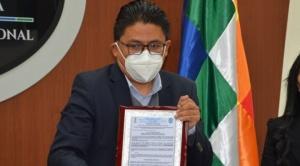 """Gobierno da por notificado a Camacho para que declare en La Paz por el """"golpe de Estado"""""""