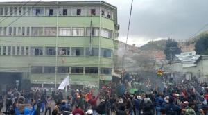 Cocaleros de la Autodefensa de Yungas retoman la sede de la Adepcoca