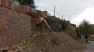 Caída de talud provoca la muerte de un obrero en la ciudad de La Paz