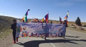 Familiares de víctimas de Sacaba y Senkata inician marcha desde Caracollo hasta La Paz