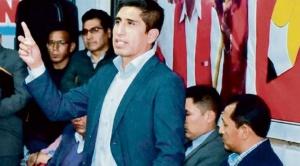 En Perú denuncian que dirigente de Perú Libre que tiene orden de captura fugó a Bolivia