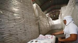 Ministerio de Desarrollo Productivo suscribe acuerdo con ingenios y productores de caña de azúcar para exportar 2,1 millones de quintales de azúcar