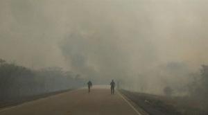 Santa Cruz estableció que el fuego dañó 13 reservas nacionales y el Gobierno dice que no hay afectación