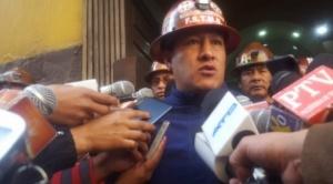 Ejecutivo de la FSTMB señala que no se permitirá despidos por baja de precio del mineral