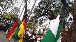 Santa Cruz conmemora su aniversario con crespones negros y Gobierno envía felicitación sin mencionar incendios en la Chiquitania