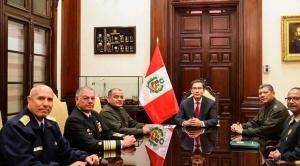 Crisis política en Perú: Presidente Viscarra recibe respaldo de las Fuerzas Armadas