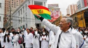 """Gobierno ratifica a Montaño como interlocutora para reanudar diálogo con médicos y Evo les dice que """"hacen política"""""""