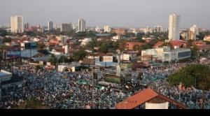 Cientos de miles de personas participan del Cabildo cruceño