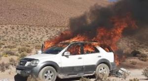 Operativos contra el contrabando culminan en quema de vehículos utilizados para la ilícita actividad