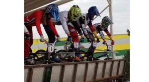 Bolivianos destacan en Chile y ganan siete medallas de oro en campeonato Latinoamericano de BMX 1
