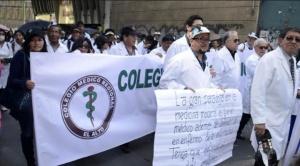 Médicos levantan piquetes de ayuno en observancia del auto de buen gobierno