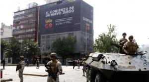 Estado de Emergencia en Chile: Militares despliegan tanquetas en Santiago, que vive un caos