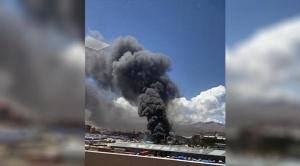 El Alto: incendio de magnitud  en almacenes de la Aduana Nacional de Bolivia