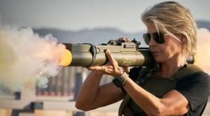 Linda Hamilton huyó de Hollywood, pero Terminator igual la encontró