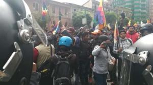 Marchistas de El Alto deciden cercar la plaza Murillo